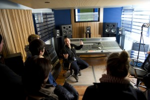 Praxis-Seminar im Studio am SAE Institute Zürich