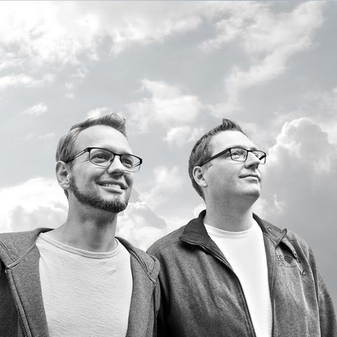 Das Produzenten-Duo FSDW mit Dan W. und SAE Audio Alumnus Flo aka Ryan T.