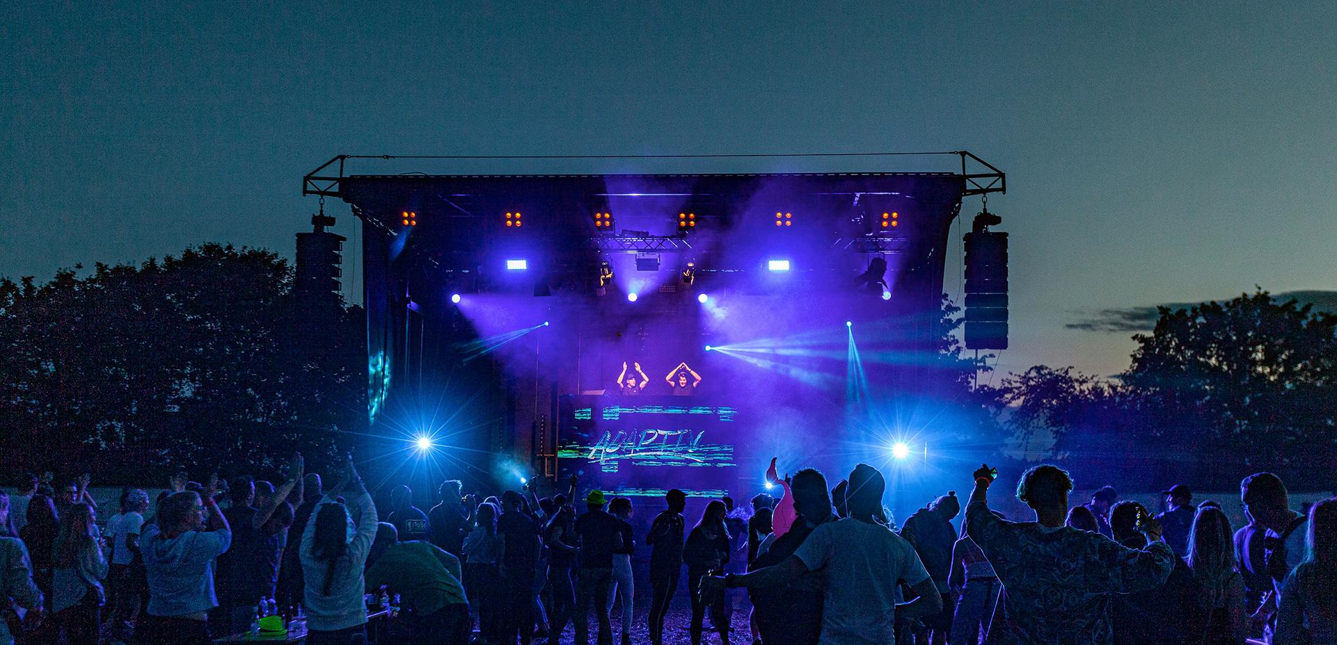Ein Musikfestival in Pandemiezeiten? – SAE Alumnus Fabian Schickedanz beweist mit dem Oakhill Festival, dass es geht!